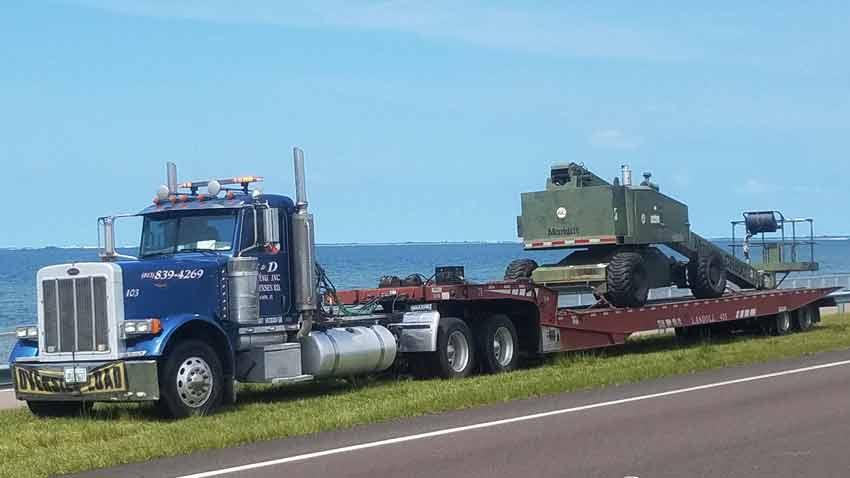 Light Equipment Transport : Heavy equipment cargo hauling macomb co
